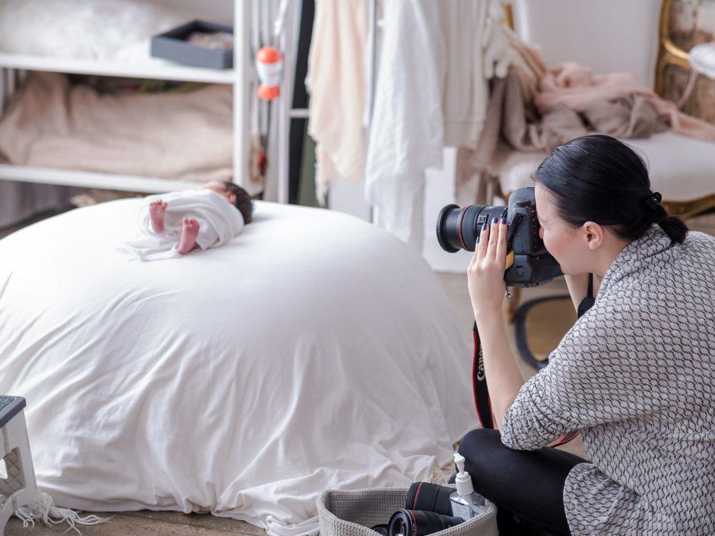 Pullback of Lola Melani photo shoot